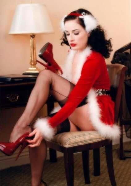 Jessica nigri merry christmas 2017 part 2 2
