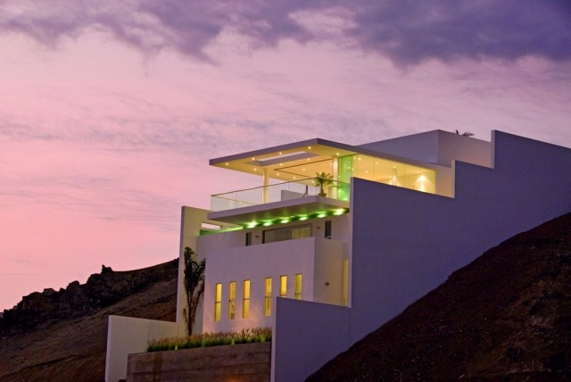 Javier Artadi Arquitecto | Beach house on a hill on http://www.arthitectural.com