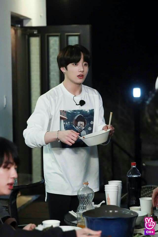 VLIVE #BTS CH+] Behind the scene photos of #JUNGKOOK from RUN BTS