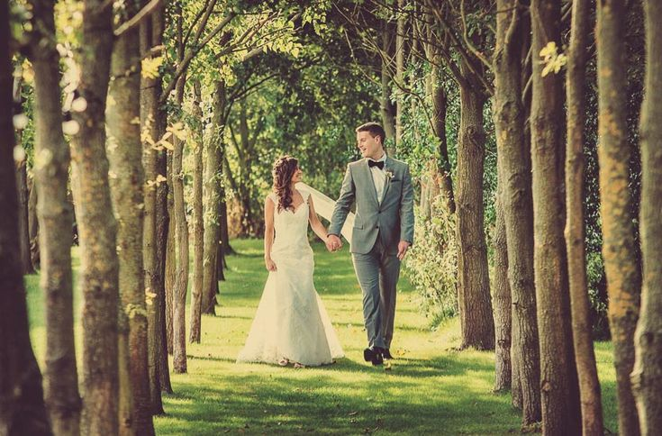 Shustoke Farm Barn Wedding Photographer. Wedding Photography Warwickshire. Telling your wedding story uniquely in simple yet beautiful imagery.