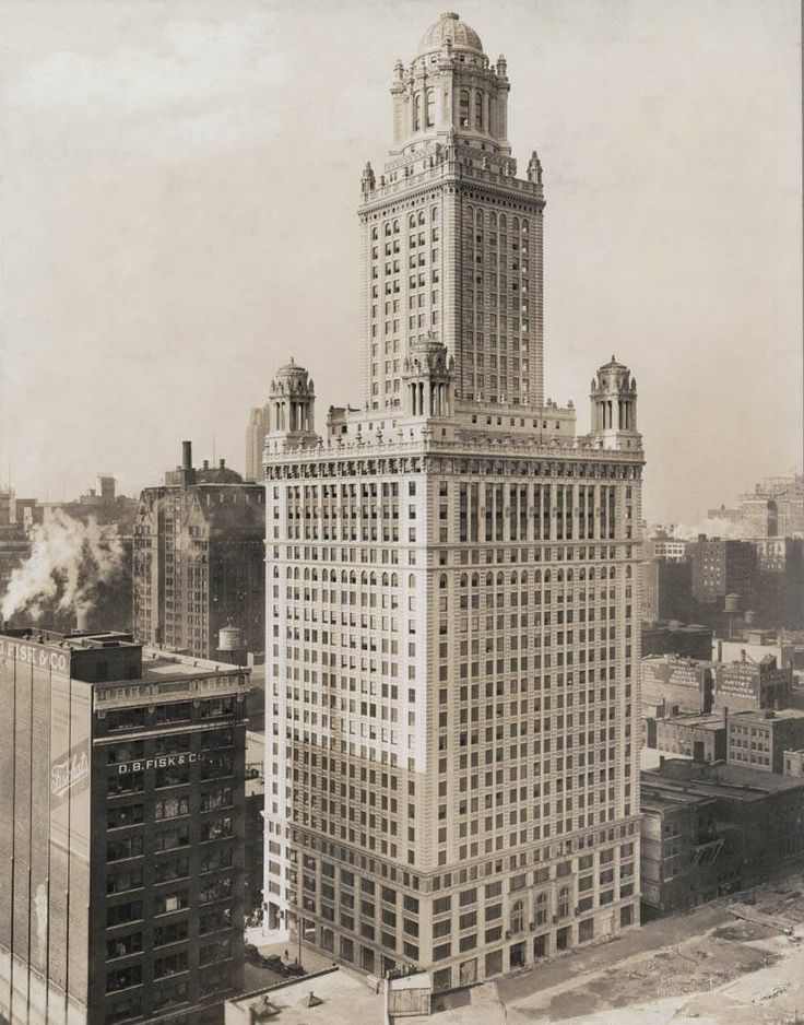 The Pure Oil (a.k.a. Jewelers Building) at 35 E. Wacker c. 1926-1929. Wacker Drive appears to be under construction.