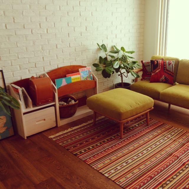 kodomotokurashiさんの、リビング,ソファー,IKEA,子供部屋,ソファ,子ども部屋,収納,北欧,キッズルーム,北欧インテリア,こども,無垢の床,キッズスペース,オットマン,絵本棚,リノベーション,レンガ壁,IKEAラグ,SIEVE,ランドセルラック,入学準備,グリーンのある暮らし,SIEVEのソファー,こどもと暮らす,こどもと暮らす。,のお部屋写真