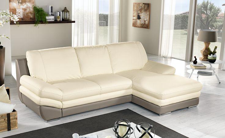 Rilassatevi sul vostro divano letto Nardo in similpelle sabbia/crema.