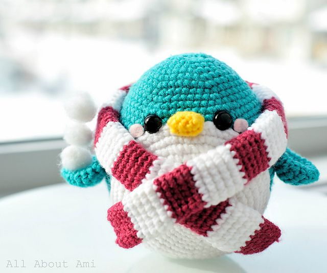 Snuggles the Penguin by Stephanie Jessica Lau  pattern