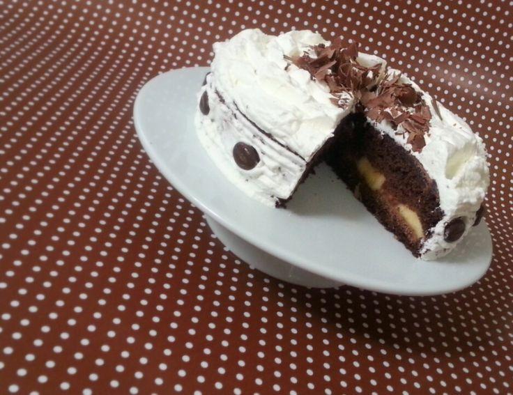 Tojáslikőrös csokitorta banánnal