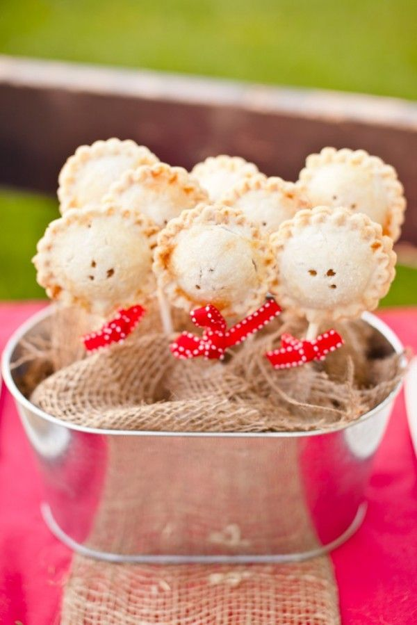 Mini Pie Pops | rusticweddingchic.com