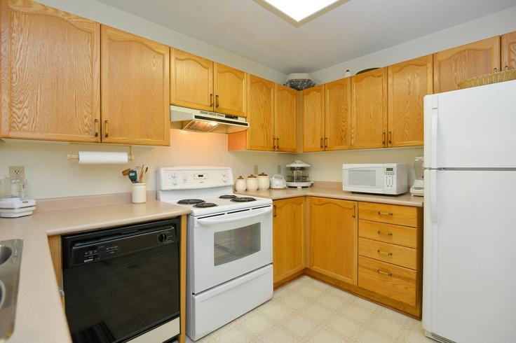 Kitchen, reverse-angle.