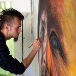 Dino Tomic, tatuador sobresaliente de Noruega, se ha adentrado al mundo del arte al crear dibujos hiperrealistas de figuras humanas.