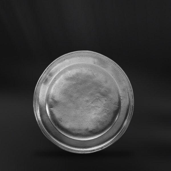 Pewter Dessert Plate - Diameter: 23 cm (9″) - Food Safe Product - #pewter #dessert #plate #peltro #piattino #piatto #zinn #dessertteller #teller #zinnteller #étain #etain #assiette #plat #peltre #tinn #олово #оловянный #tableware #dinnerware #table #accessories #decor #design #bottega #peltro #GT #italian #handmade #made #italy #artisans #craftsmanship #craftsman #primitive