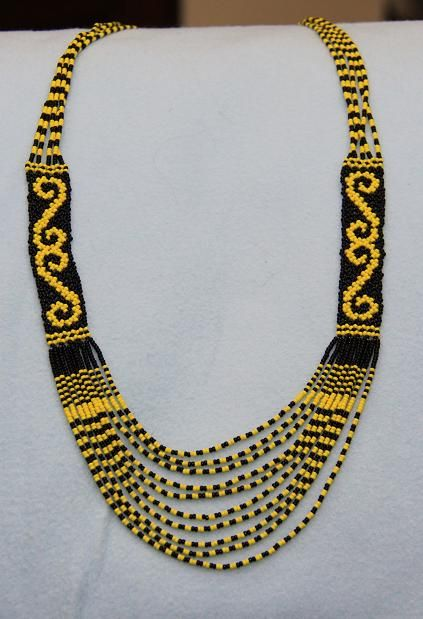 Seed Bead Weaving Necklace (Black and Yellow, Graphic)