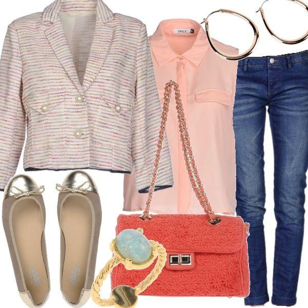 Un outfit adatto ad una passeggiata o un pranzo fuori casa. Essenziale e raffinato grazie al giacchino stile Chanel, perfetto per rendere subito più chic l'abbinamento basic di camicetta e jeans. Una tracollina vivace sempre sull'impronta della famosa maison francese, gioielli discreti e ballerine con dettagli oro per dare una naturale luminosità al look.