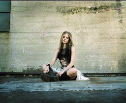 Avril Lavigne Photos and pics.