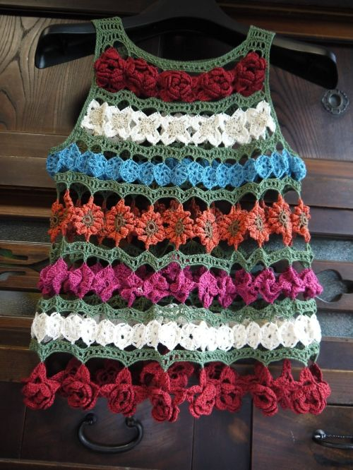 花のチュニックの作り方|編み物|編み物・手芸・ソーイング | アトリエ|手芸レシピ16,000件!みんなで作る手芸やハンドメイド作品、雑貨の作り方ポータル