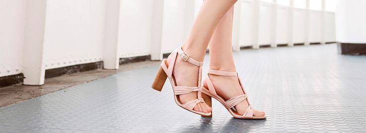 Mooie voeten voor de zomer --> https://www.omoda.nl/blog/tips/mooie-voeten-voor-de-zomer/?utm_source=pinterest&utm_medium=referral&utm_campaign=mooievoetenvoordezomer21-6&utm_content=blog