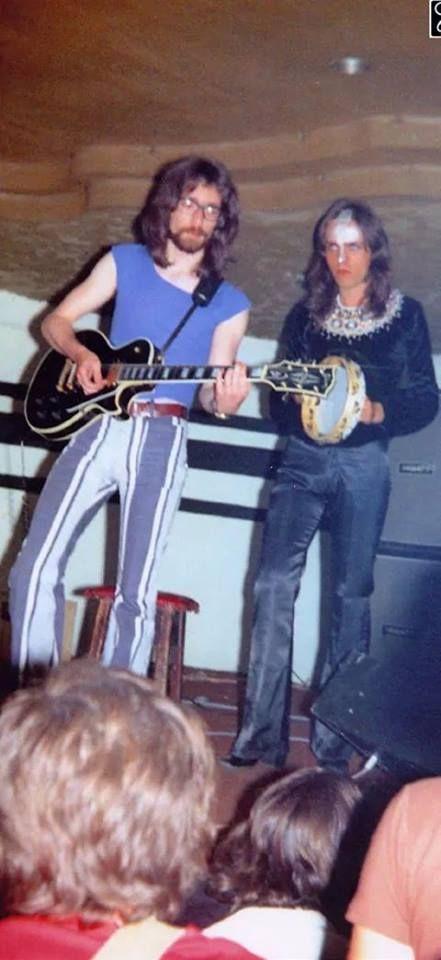 An old Photo: Steve Hackett and Peter Gabriel