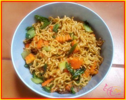Resep Makanan Ala Anak Kost Dari Mie Instan - http://arenawanita.com/resep-makanan-ala-anak-kost-dari-mie-instan/