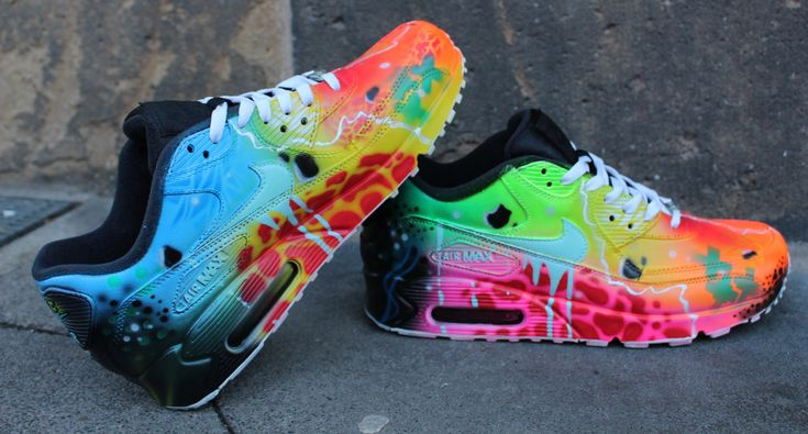 Original Nike Air Max 90 painted as Seen in the pics.  Painted with acrylic Leather colours that will Last forerver on the shoes.  Handpainted and exclusive.