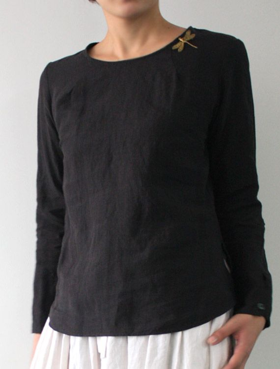 [Envelope Online Shop] Helma Lisette. Lovely linan blouse which can be worn buttoned in front or back