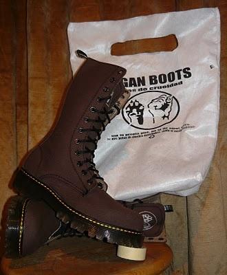 Botas Veganas en Mexico (Facebook: Vegan boots (fabricantes) https://www.facebook.com/pages/Vegan-Boots-Fabricantes-/298893753497563?fref=ts )