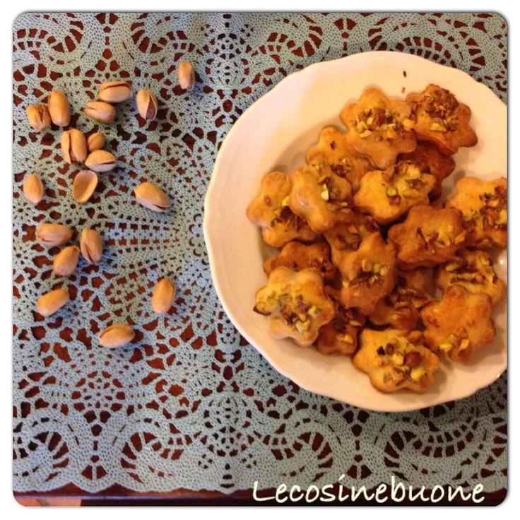 Biscotti agli agrumi e pistacchi  http://lecosinebuone.wordpress.com