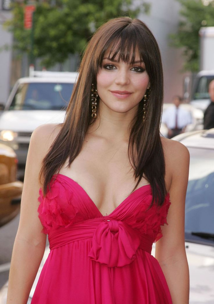 Katharine McPhee I like her hair I just might get bangs!!!