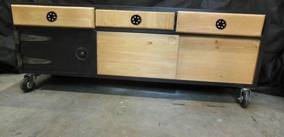 17 meilleures id es propos de bahut industriel sur pinterest renovation meuble meuble bahut. Black Bedroom Furniture Sets. Home Design Ideas