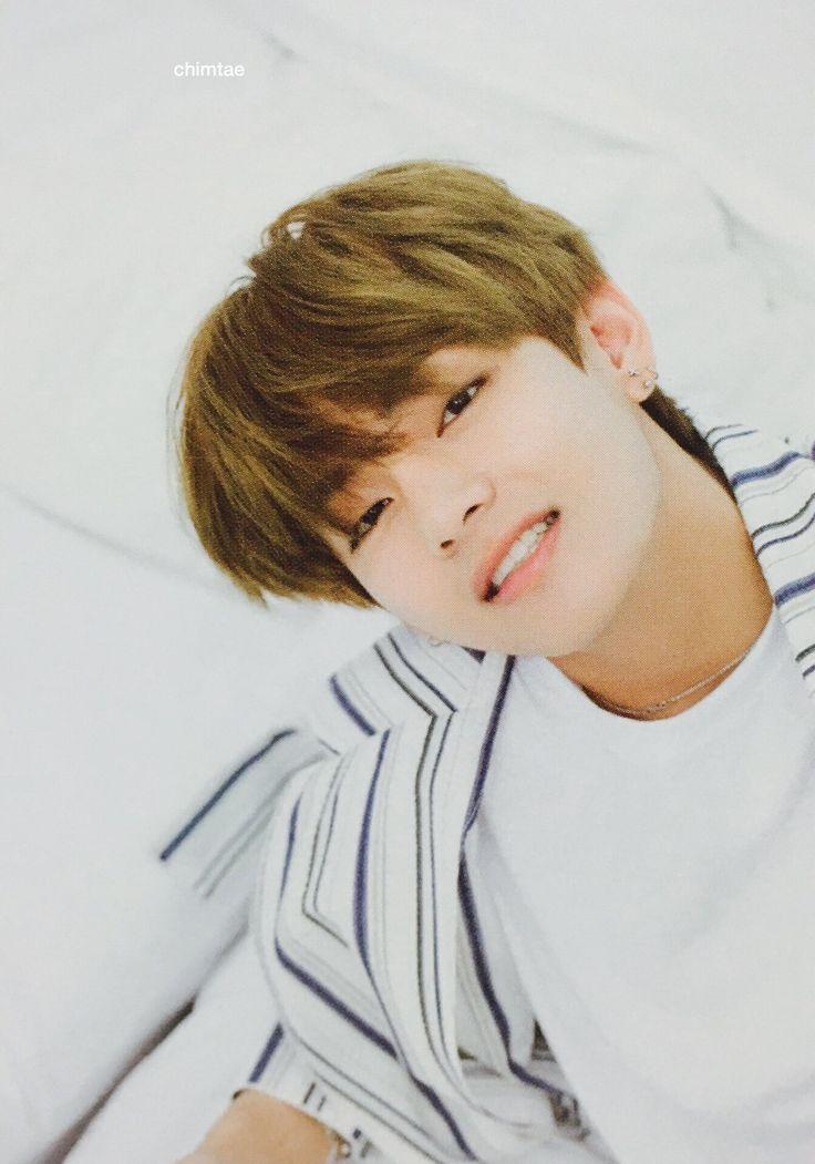 foto de 556 best taehyung images on Pinterest Kpop V taehyung