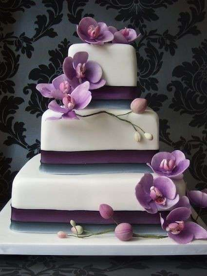 Tartas de boda con orquídeas fotos ideas originales , Tarta base blanca y violeta con