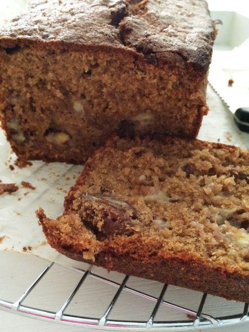 Er is echt níks lekkerder dan zelfgebakken cake, zoals deze met banaan en pecan