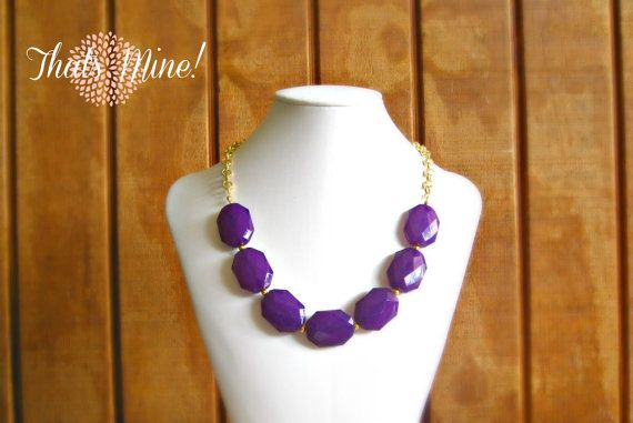 Purple statement necklace, eggplant purple single strand necklace    Measure approx: 18  Each bead is approx: 1.1 inch long    Come in 14K gold plated finish    This beautiful and attention captivating purple single strand statement necklace is made of huge faceted lucite bead, tiny