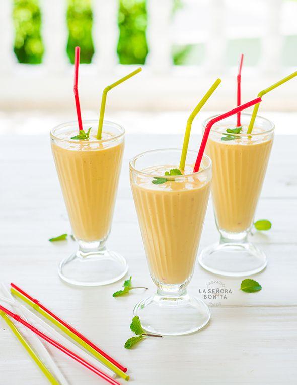 Batido de Mango y helado de vainilla/ Mango and Vanilla Ice Cream Shake ¡yum!