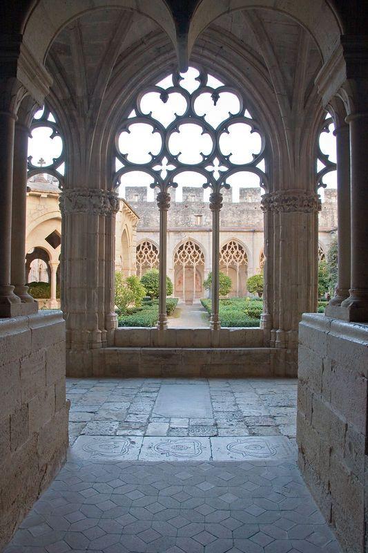 Protogótico. Monasterio del Poblet, claustro. Siglo XIV.