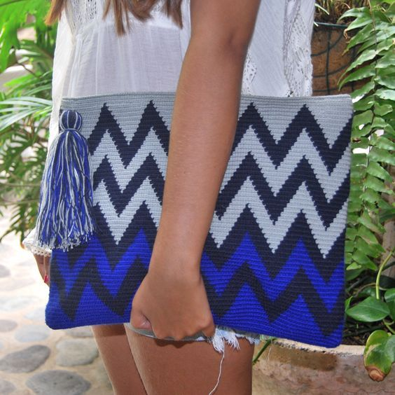 Wayuu Clutch Modelleri , , Örgü çanta modellerinden bugün çok güzel modeller hazırladık. Wayuu clutch modelleri. Örmeyi düşünenler için renk uyumları, modeller, s�...