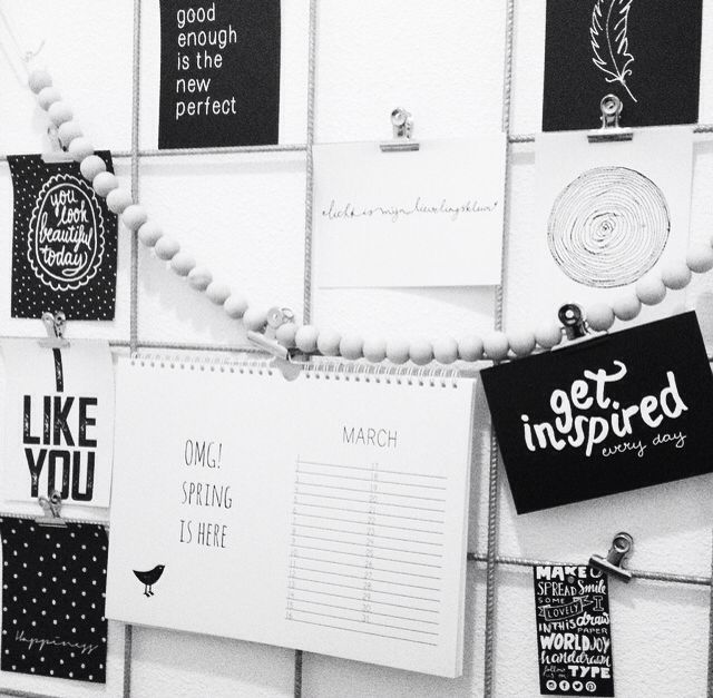 Showrek black and white