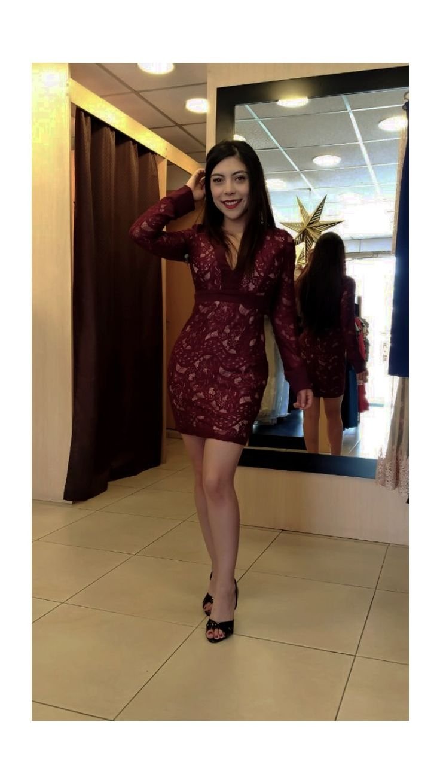 Vestido de randa con escote en v. (Modelo: Oriana Ghia) #fashion #moda #design #descuentos #ecuador #estilo #tendency #trend #style #fashionista #ropa  #designer #fashionblogger #fashionstyle #fashiondiaries #glbti #lgbt #look #moda @sml.smile.ec