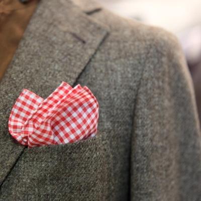 red pocket square: Gingham Pocket, Styles Blog, Color, Gentlemen Dresses, Red Pocket, Men'S Fashion, Men'S Styles, Pocket Squares, Merry Christmas