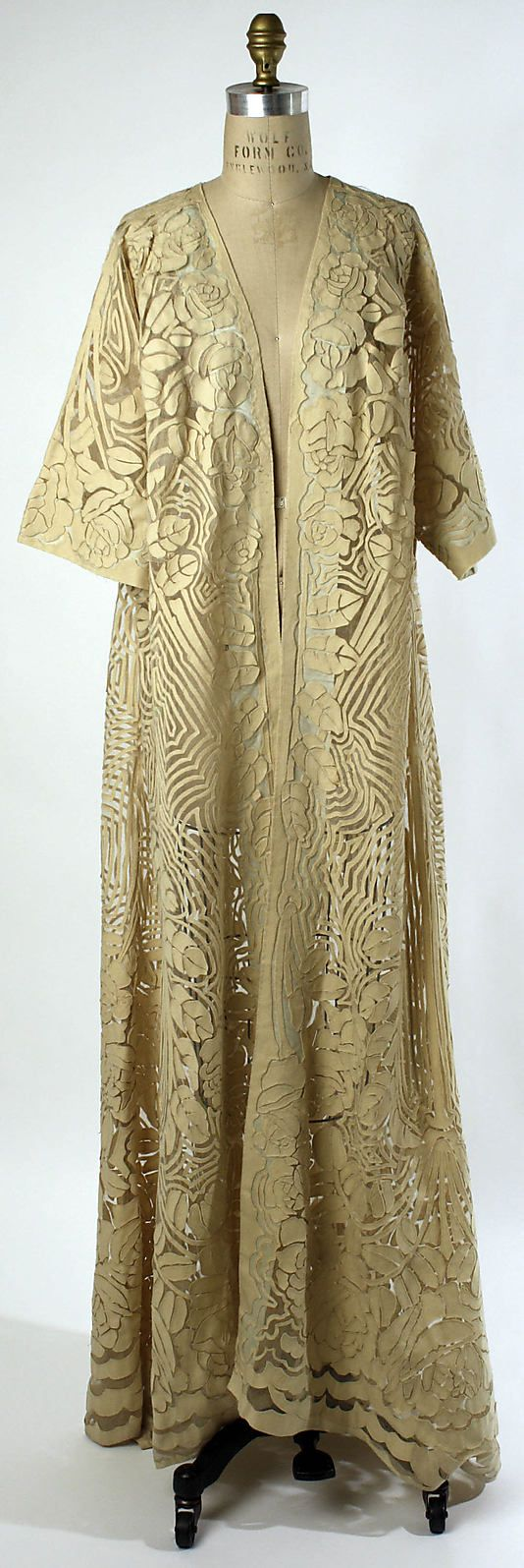 ~Negligée Date: 1909–10 Culture: French Medium: silk, wool~  Pretty. It may be a negligee but today this could go over a long skirt or pants outfit for a dressy occasion.