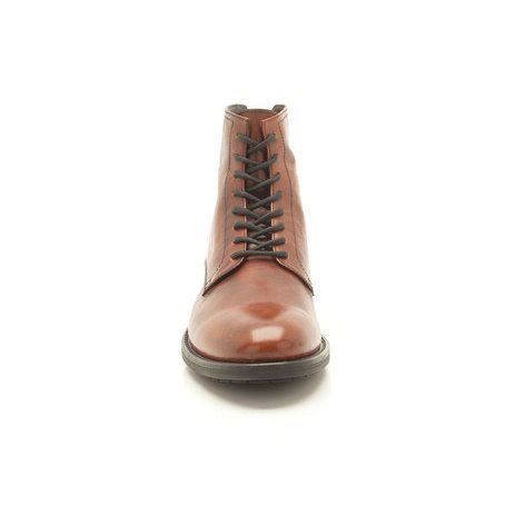 With classic, tailored appeal these men's ankle boots ooze quality and character in smooth tan leather. Stitched detailing and authentic lacing enhance the casual appeal, finished with a simple, cleated sole.