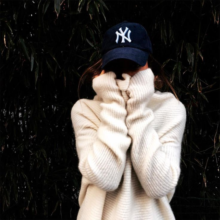 hat + over sized sweater