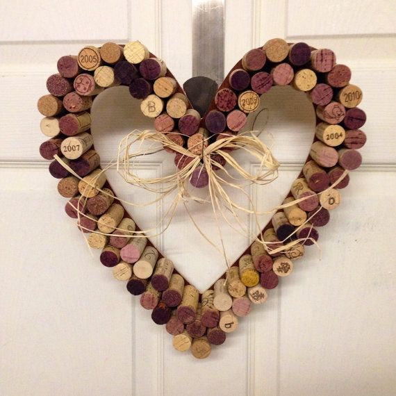 Heart shaped valentine wreath cork wreath wine home decor wreath holiday heart love on - Manualidades con corchos ...