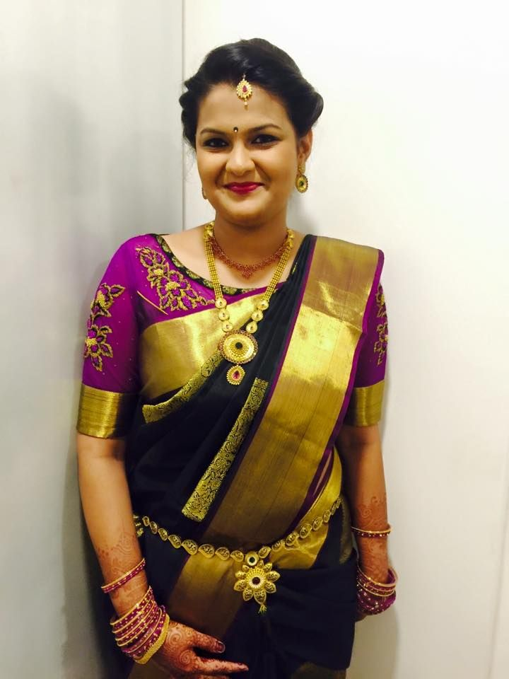 Our client looks elegant and beautiful for her sister's reception. Makeup and hairstyle by Swank Studio. #silksaree #goldjewellery #maangtikka #sareeblousedesign #hairstyle Find us https://www.facebook.com/SwankStudioBangalore