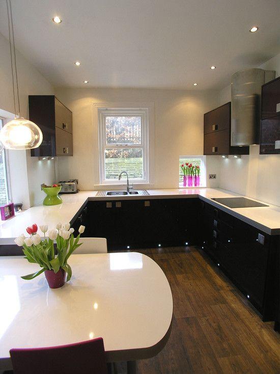 Modern aubergine kitchen accessories like pot and for Aubergine kitchen cabinets