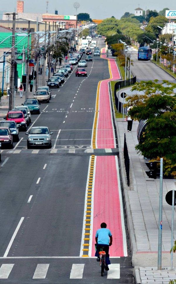 Protected bike lane in Marechal Floriano, Brazil. Click image to tweet and visit the Slow Ottawa boards >> https://www.pinterest.com/slowottawa/