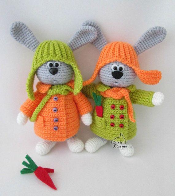 Nota: Este es un patrón solamente y no el juguete terminado!  Crochet patrones de Larisa Kostyleva  MATERIALES y herramientas que necesitará:  -cualquier hilo en gris, naranja, verdes y blancos colores claros (utilicé hilo acrílico 100%, 100 g/300 m); -coincidencia gancho de ganchillo (yo usé 1,75 mm); -alambre-el diámetro y la cantidad depende del tamaño de tu juguete-usé aproximadamente 50 cm (19,7 pulgadas) de alambre de 1,5 mm de diámetro; -un par de granos mitad negros para los ojos (yo…