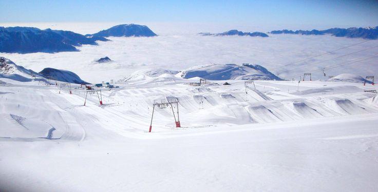 La saison de ski est lancée... Et ça se passe sur le glacier des Deux Alpes, et sur www.les2alpes.com !    Actualités et réservation en ligne sur http://www.institut-hotel.fr