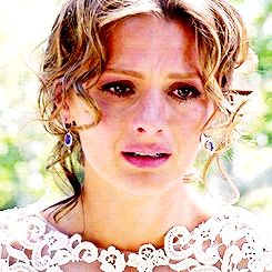Kate Beckett Her wedding dress is absolutely gorgeous Castle