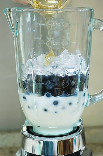 PIONEER WOMAN Blueberry Yogurt Smoothies  ■1 cup yogurt ■1 cup Fruit (your Choice - Blueberries, Peaches, Pineapple, Etc)  ■1/4 cup Milk  ■1 dash Honey  ■Ice  Preparation Instructions  Place yogurt, fruit, milk, a handful of ice and honey to taste all into a blender. Blend until smooth. Taste it for sweetness and add more honey if needed.    Pour, drink and enjoy! #organic #skincare #organicskincare #beauty #cosmetics