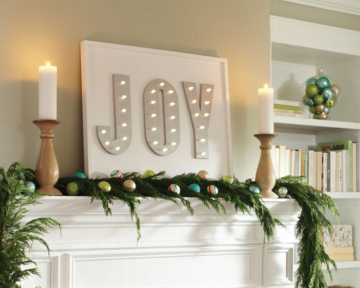 Tis the season for Christmas DIYing. Here are step-by-step video tutorials to help you get started on this holiday marquee sign project.: