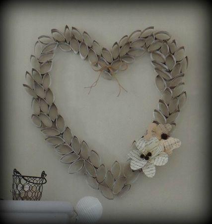 coeur en rouleaux de papier toilette