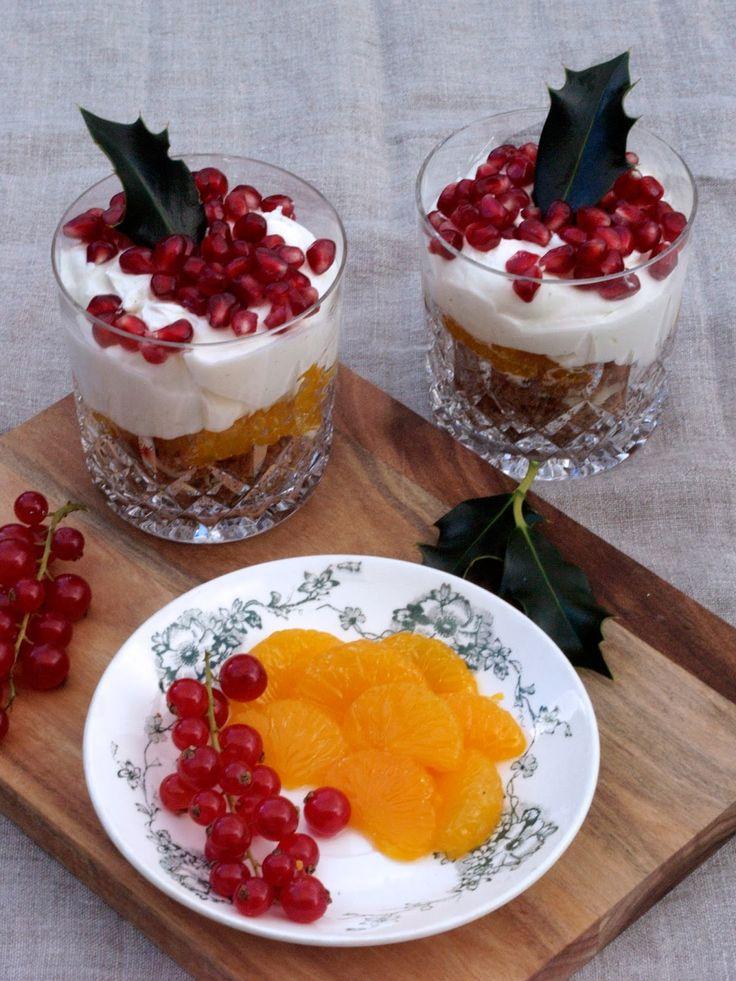 Vi er nesten like tradisjonsbundne i vårt valg av dessert på julaften som hovedrett. Heldigvis er det mange dager å velge mellom, så det er...